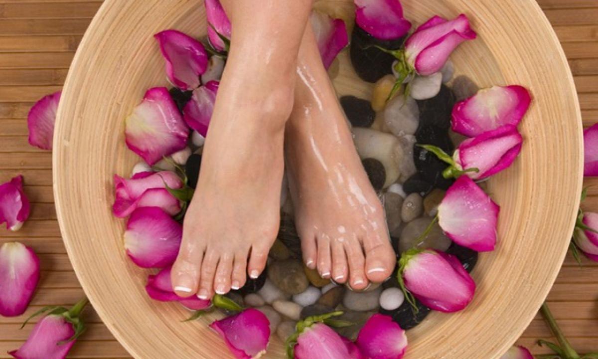 Foot Care Tips Rainy Season-వర్షాకాలంలో పాదాలను సంరక్షించే ఇంటి చిట్కాలు ఇవే-Telugu Health - తెలుగు హెల్త్ టిప్స్ ,చిట్కాలు-Telugu Tollywood Photo Image-TeluguStop.com