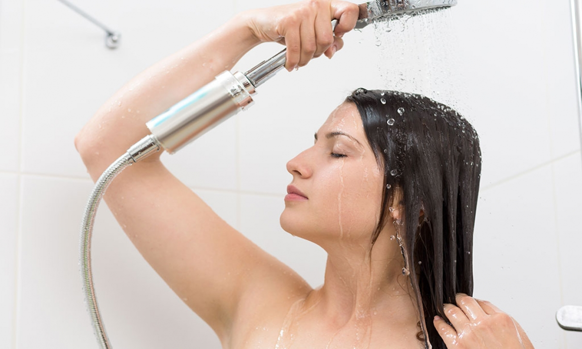 Effects Of Head Bath At Night Time-రాత్రి వేళ తలస్నానం చేస్తే.. ఈ తిప్పలు తప్పవు-Telugu Health - తెలుగు హెల్త్ టిప్స్ ,చిట్కాలు-Telugu Tollywood Photo Image-TeluguStop.com
