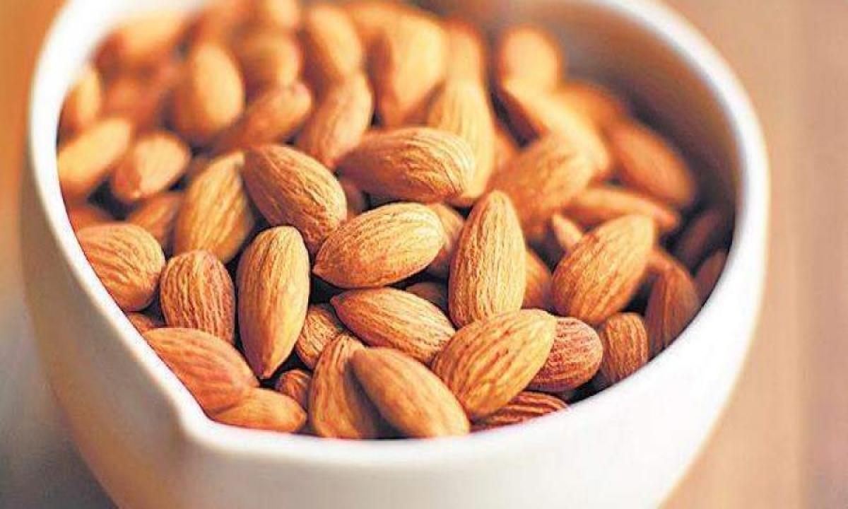 Soaked Almonds Almonds Eat Almonds Health Health Tips-TeluguStop.com