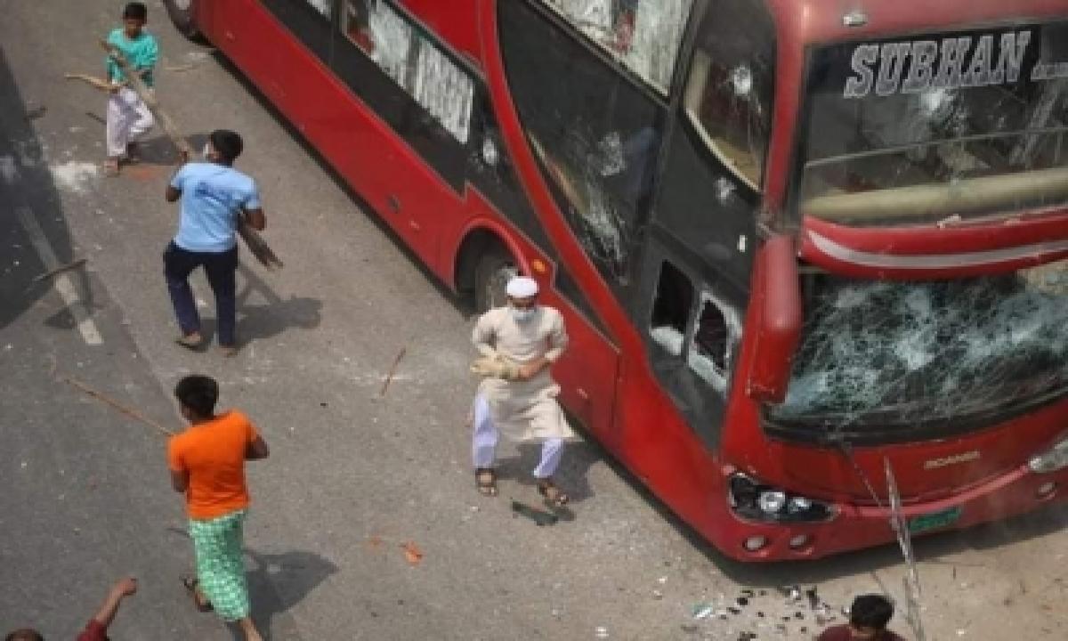 1 Dead In B'desh As Anti-lockdown Protest Turns Violent-TeluguStop.com
