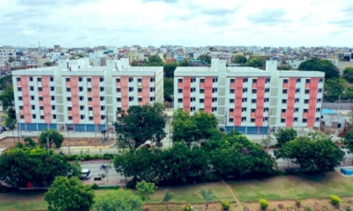 2BHK Houses For Poor With Lake View Come Up In Hyderabad-General-English-Telugu Tollywood Photo Image-TeluguStop.com