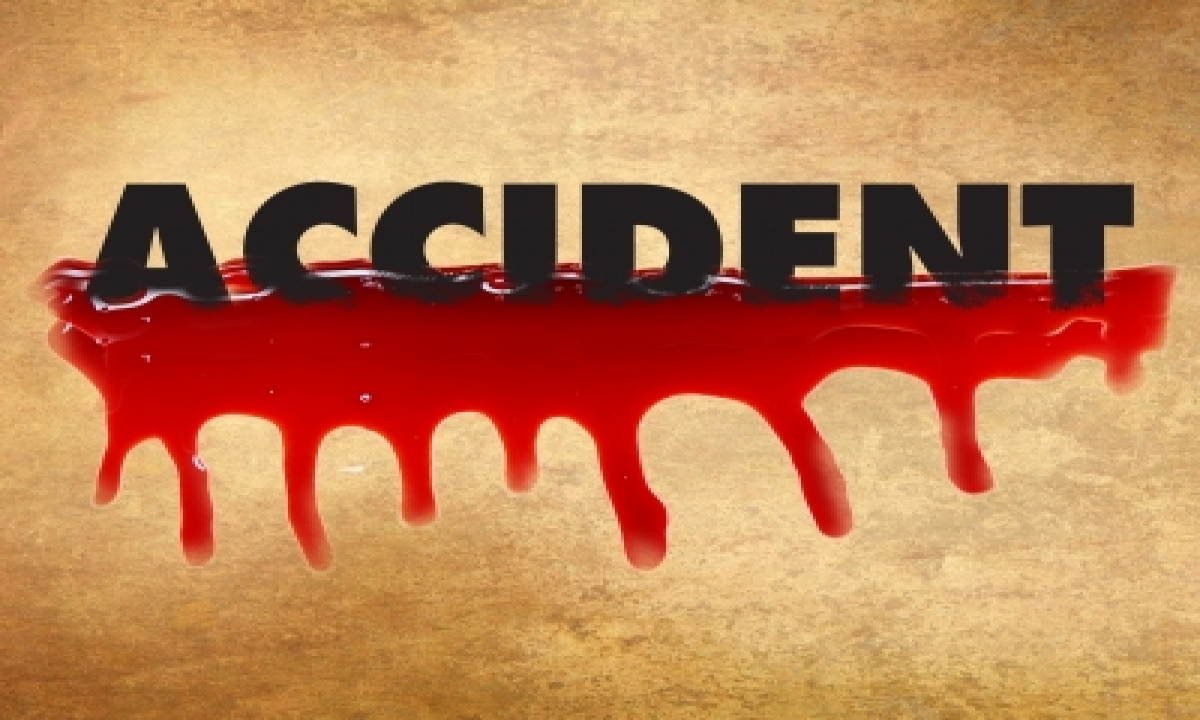 3 Killed After Being Run Over By Truck In Up's Etawah-TeluguStop.com
