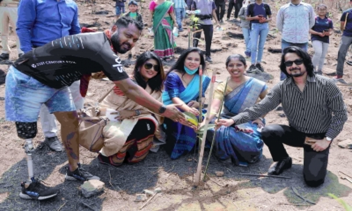 32k Saplings Planted In 32 Mins In Assam To Promote 'grow With Democracy'-TeluguStop.com