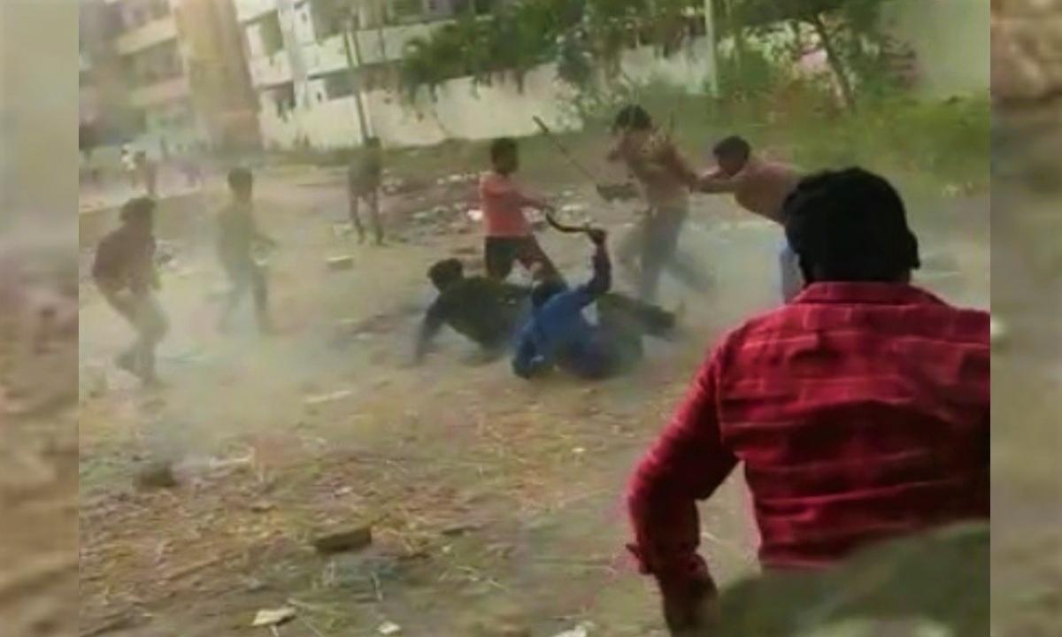 Gang War In Vijayawad-విజయవాడ లో గ్యాంగ్ వార్..-General-Telugu-Telugu Tollywood Photo Image-TeluguStop.com
