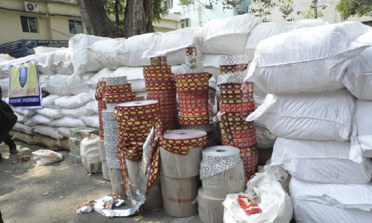 Hyderabad Police Seized Gutka Worth Rs.1 Crore, 3 Nabbed-Latest News - Telugu-Telugu Tollywood Photo Image-TeluguStop.com