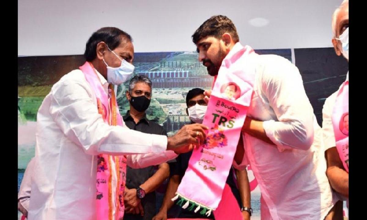 MLC For Kaushik Reddy' Fueled Suspense Over Huzurabad TRS Candidate-Latest News English-Telugu Tollywood Photo Image-TeluguStop.com