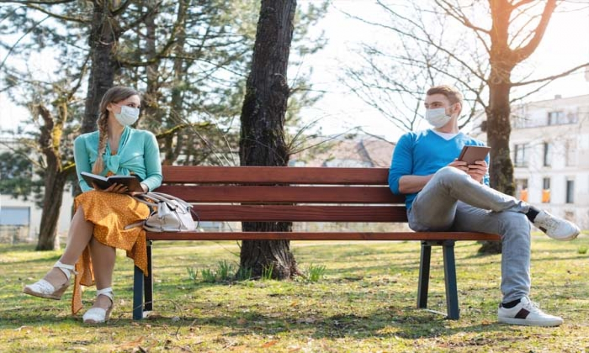 Mask Social Distancing Will Be Crucial Even After Covid 19 Vaccine Scientist-TeluguStop.com