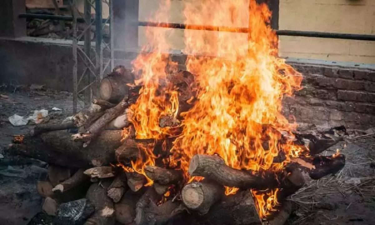 Non-stop Covid Corpses Cremation In Guntur -Latest News English-Telugu Tollywood Photo Image-TeluguStop.com