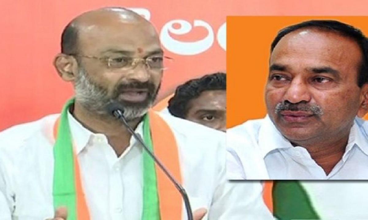 T'gana BJP President Bandi Sanjay Left For Delhi, Etela Will Join BJP Tomorrow-Latest News - Telugu-Telugu Tollywood Photo Image-TeluguStop.com