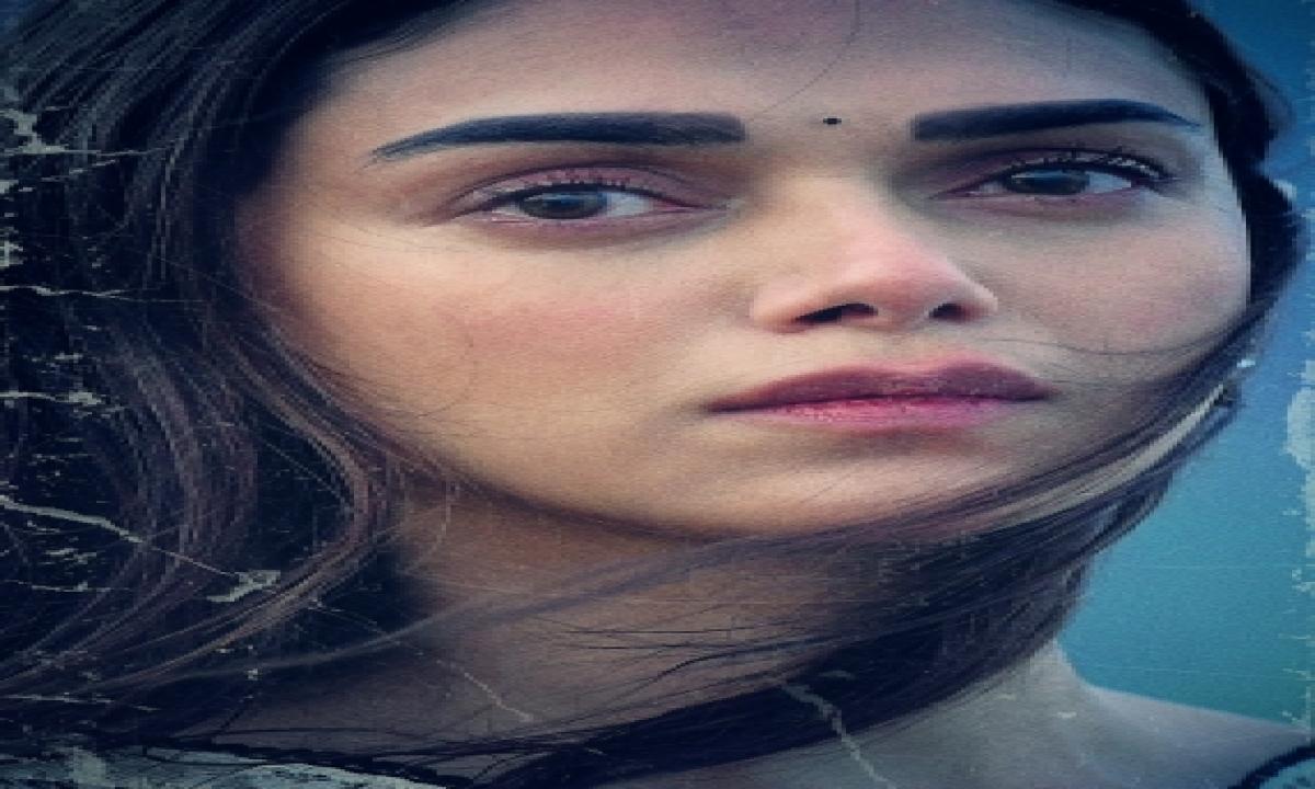 Aditi Rao Hydari Reveals Her First Look In 'maha Samudram'-TeluguStop.com