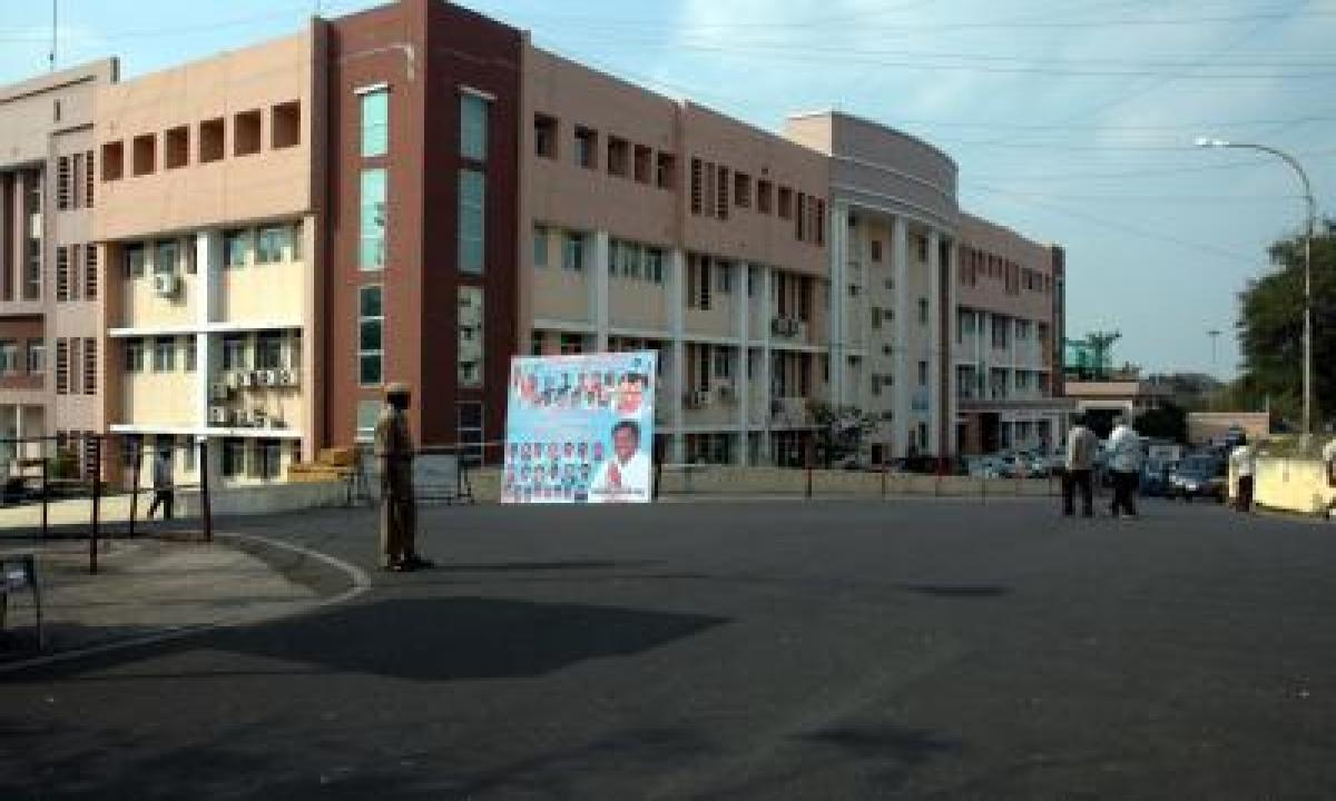 After 4 Covid Deaths, Andhra Secretariat Employees Seek Wfh Facility-TeluguStop.com