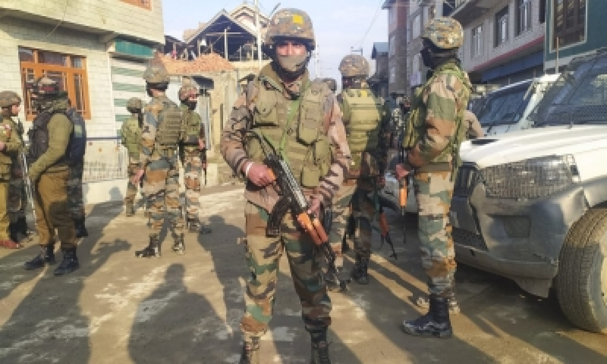 Aguh Chief Trapped, 3 Terrorists Killed In Shopian Gunfight (2nd Lead)-TeluguStop.com