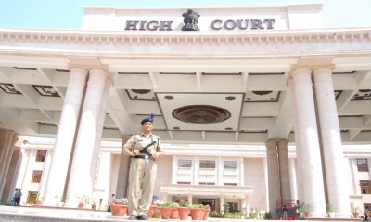 Allahabad Hc Expresses Concern Over Parties Giving Tickets To Criminals-TeluguStop.com