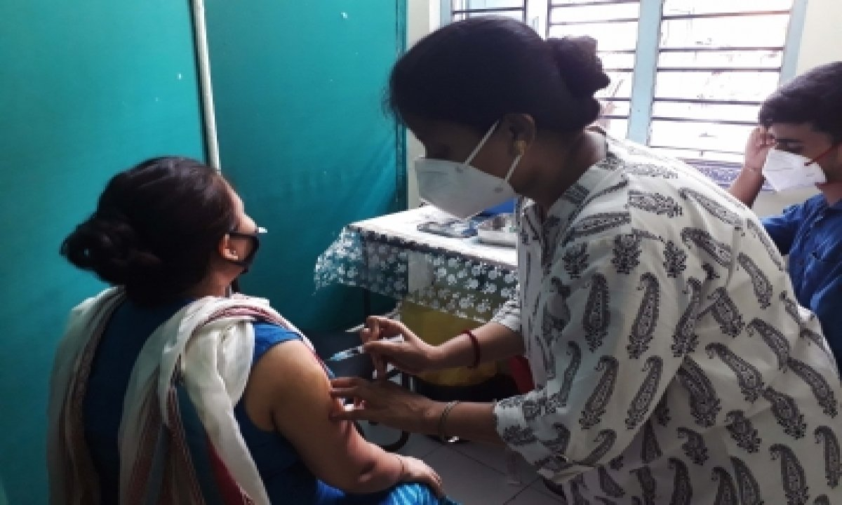 Andhra Pradesh Registers 2,442 More Covid Cases, 16 Deaths-TeluguStop.com