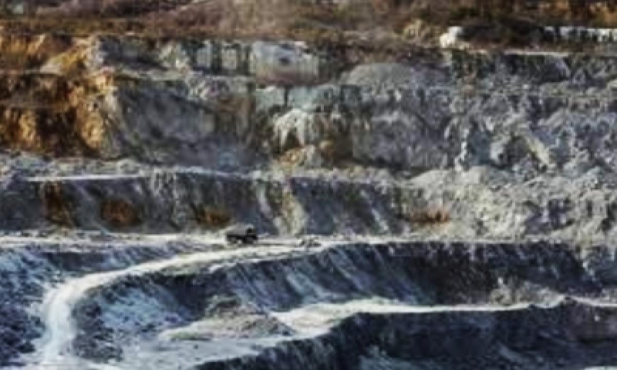 Andhra Sets Up High-level Probe Into Limestone Quarry Tragedy-TeluguStop.com