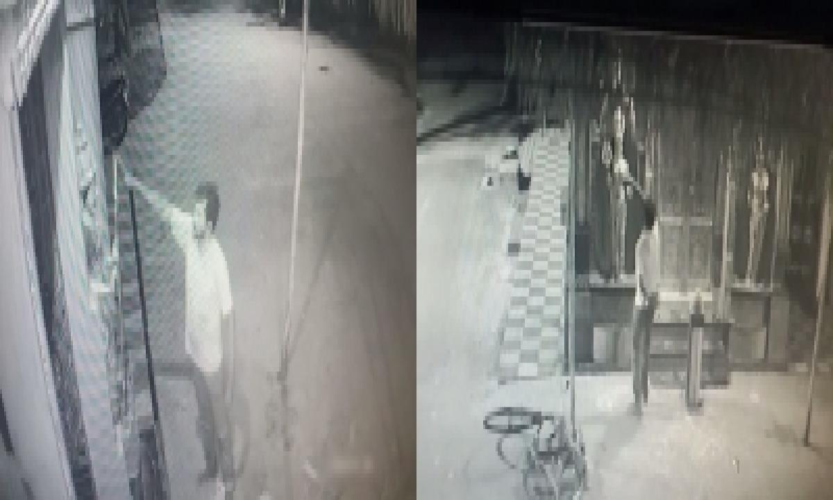 Ap Police Nab Drunken Butcher For Breaking Kakinada Temple Tridents-TeluguStop.com