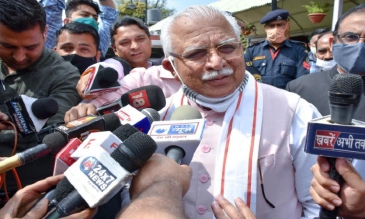 'arhtiyas' To Get Interest On Dues: Haryana Cm-TeluguStop.com