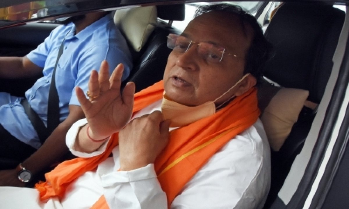 Arun Singh Reaches Yediyurappa's Residence For Discussions-TeluguStop.com