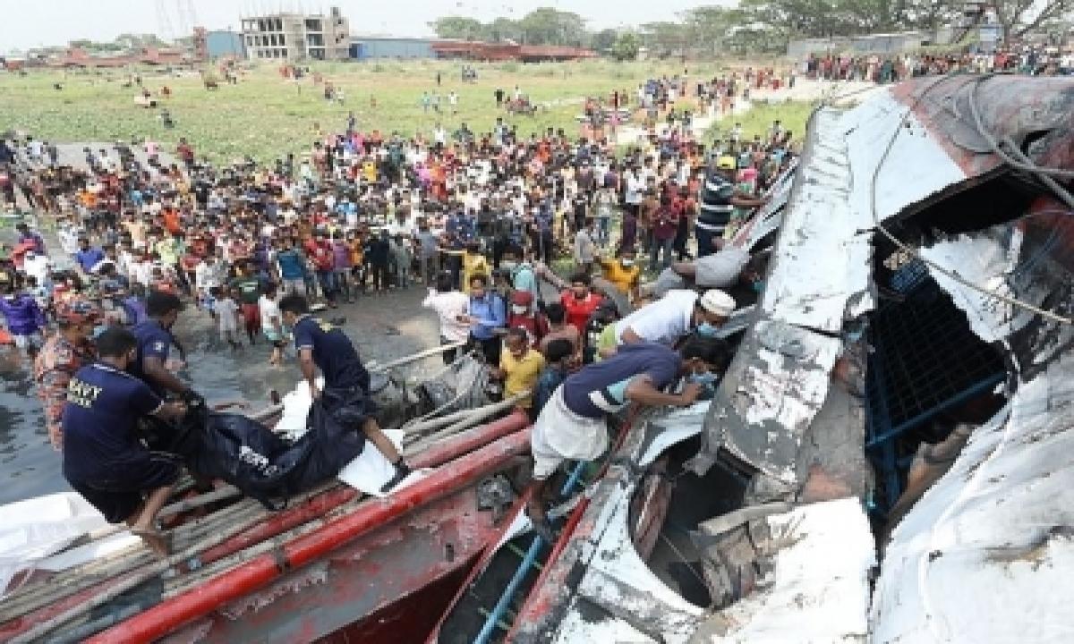 Bangladesh Ferry Capsize Toll Reaches 34-TeluguStop.com