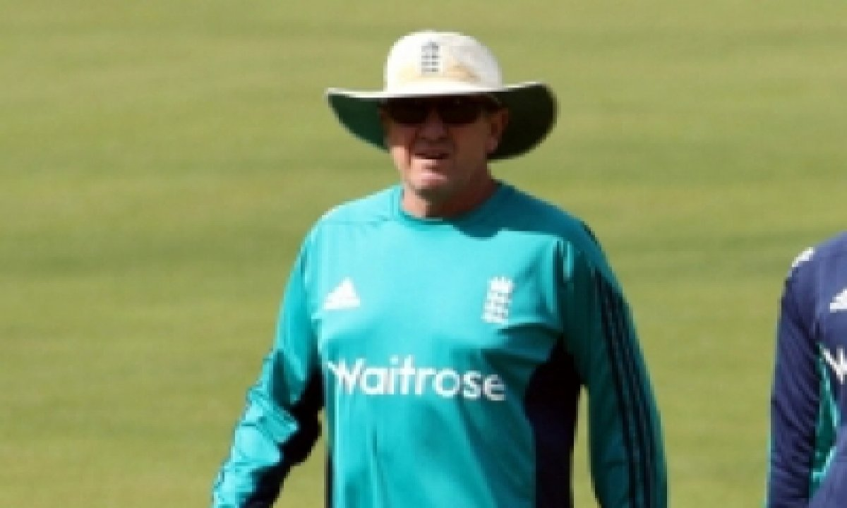 Batters Lacking Confidence, Making Lots Of Mistakes: Srh Coach Bayliss-TeluguStop.com