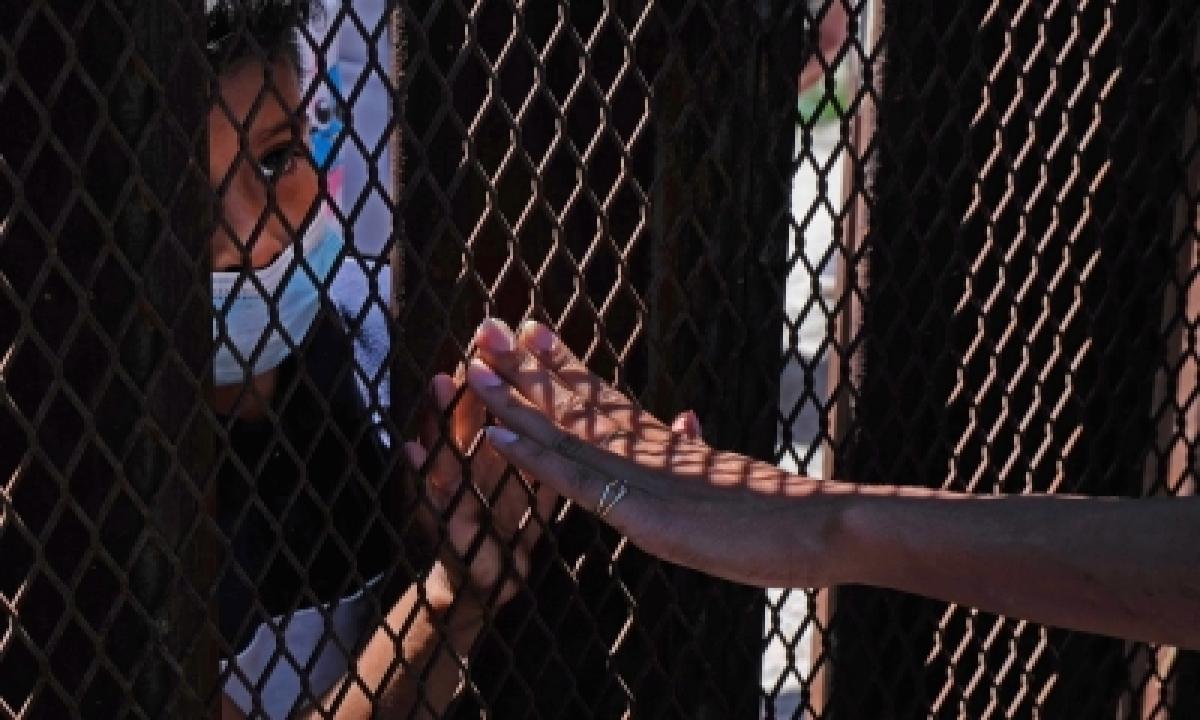 'biden Administration To Deport Migrant Crowds In Texas Border City'-TeluguStop.com