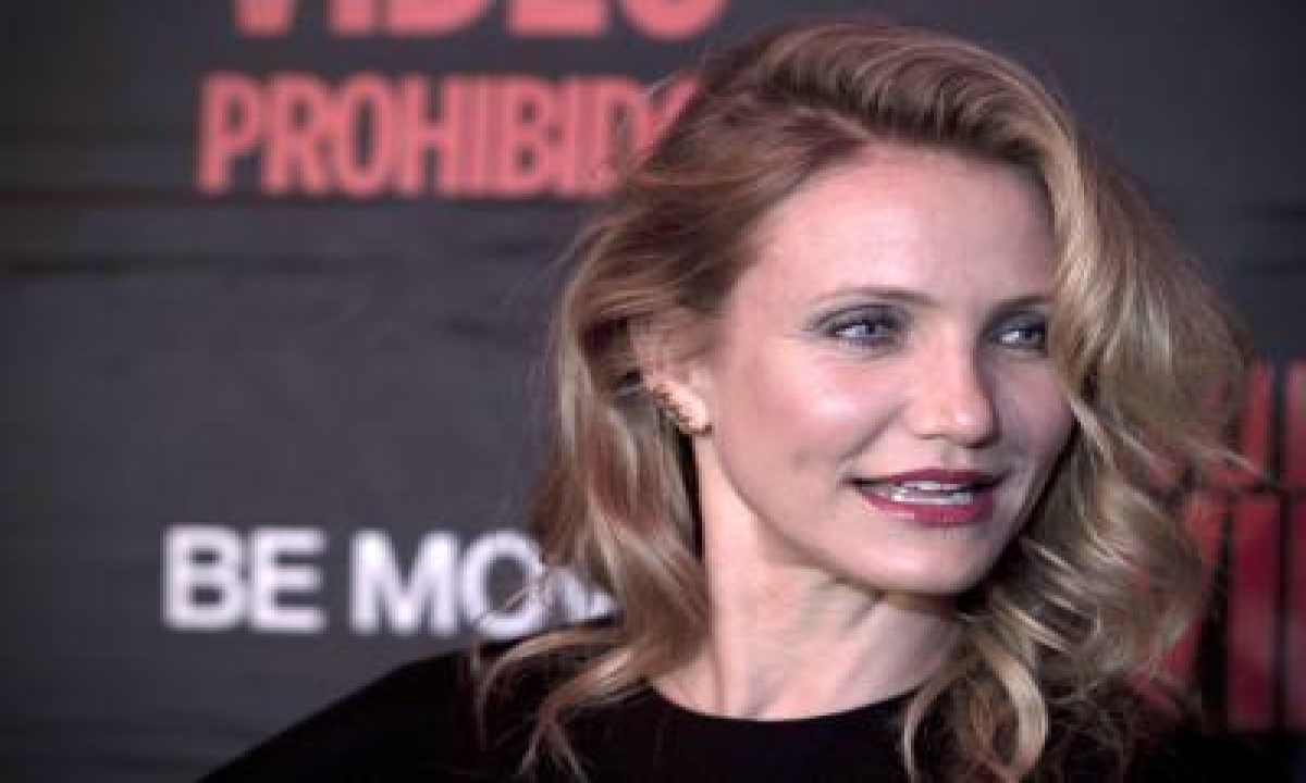 Cameron Diaz Opens Up On Friendship With Drew Barrymore-TeluguStop.com
