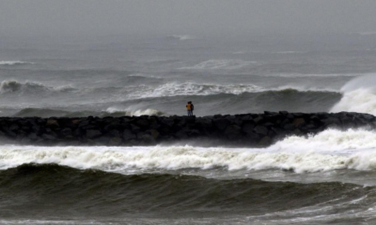 Coastal Andhra On Alert As Cyclone 'gulab' Set To Make Landfall-TeluguStop.com