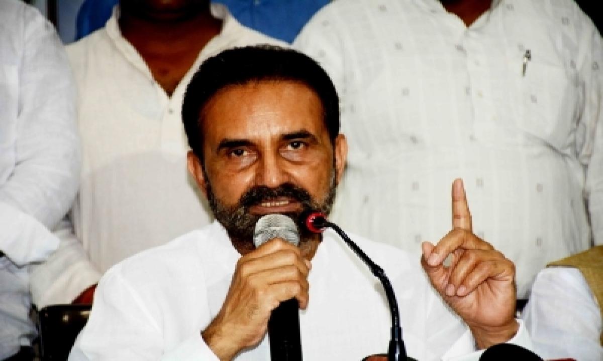 Cong Mp Raises Issue Of Indian Fishermen In Pak Jails-TeluguStop.com