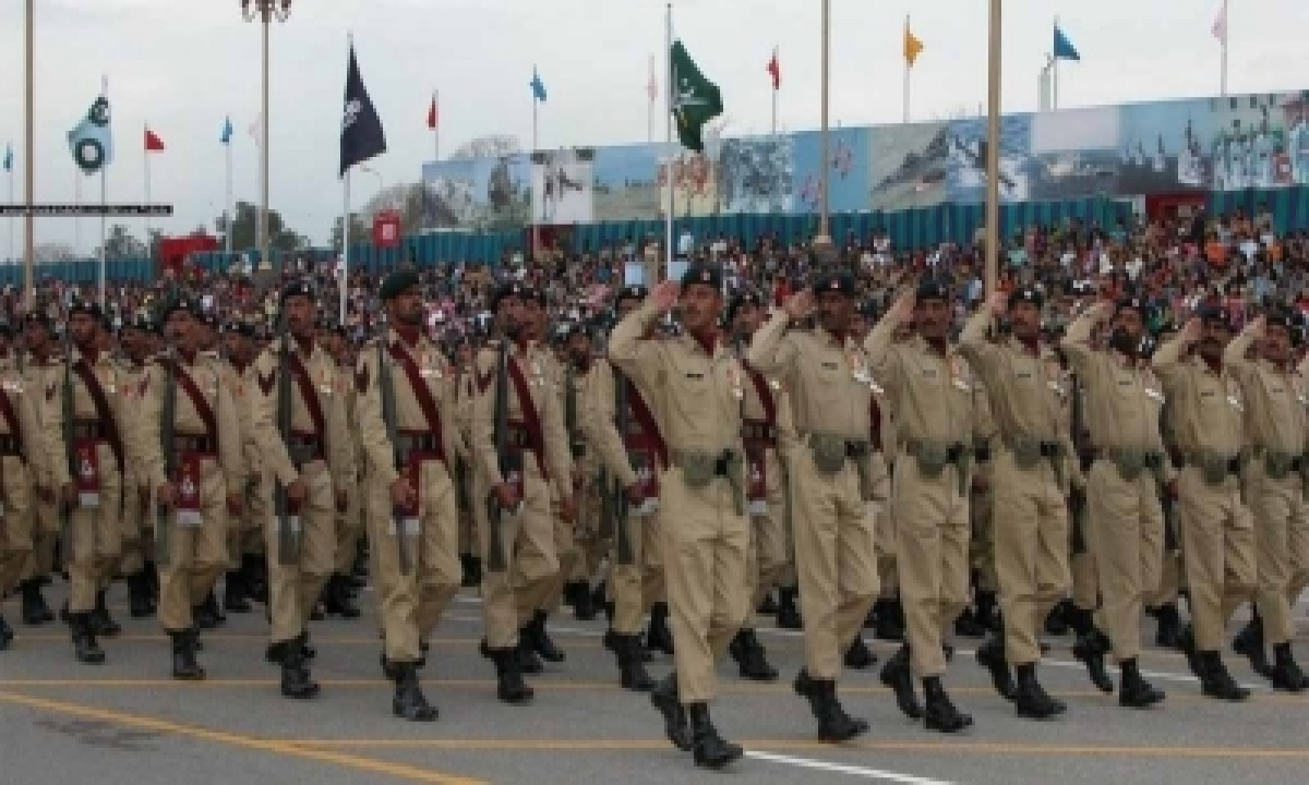 Criticism Of Armed Forces Punishable By Law In Pak Now-TeluguStop.com
