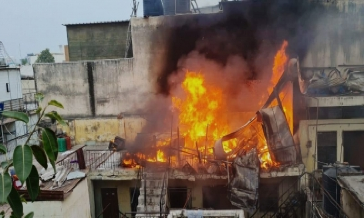 TeluguStop.com - Cylinder Blasts In Delhi, No Casualties