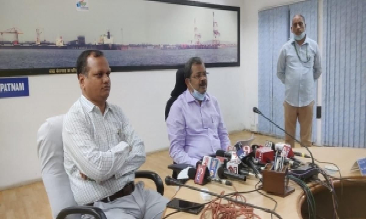 Despite Covid Vizag Port Achieves 2020-21 Cargo Handling Target-TeluguStop.com