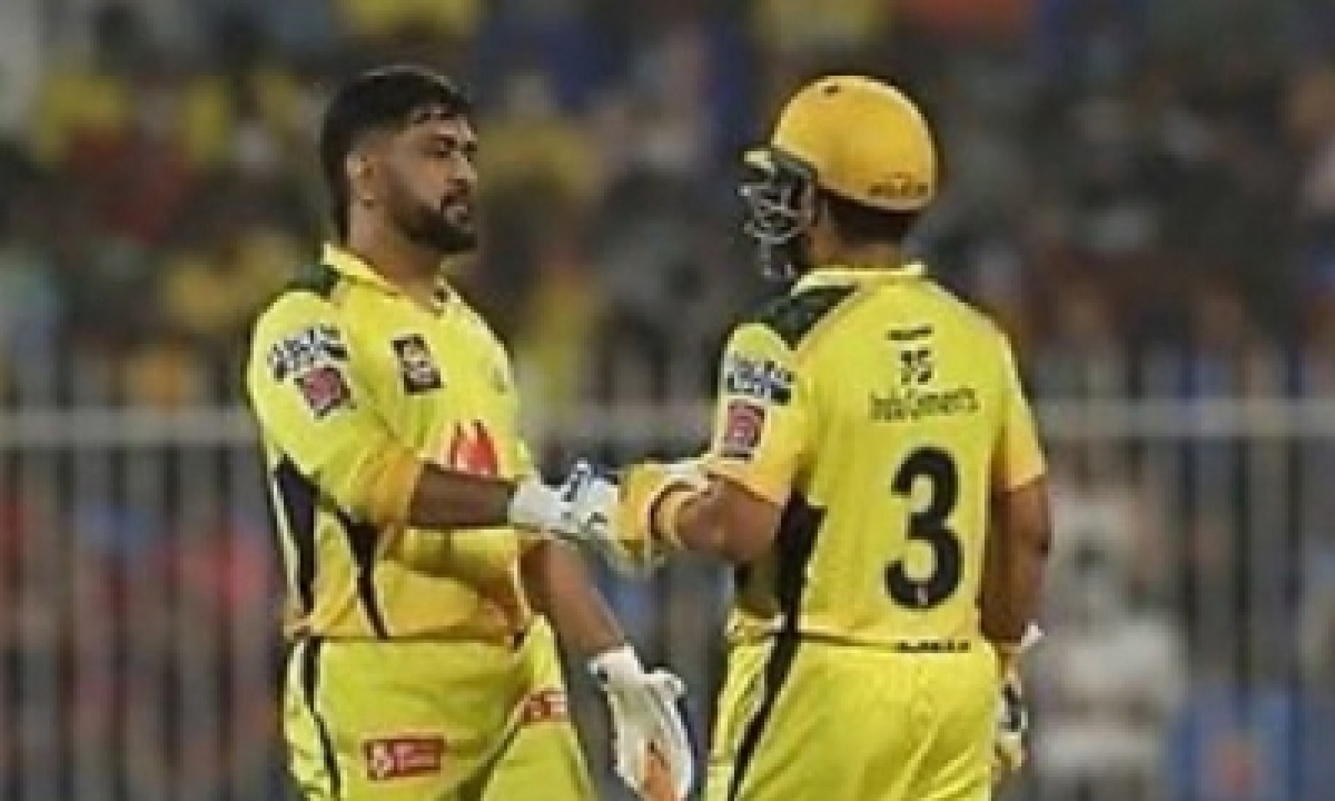 Dhoni Hails His Bowlers For Applying Brakes On Free-flowing Rcb-TeluguStop.com