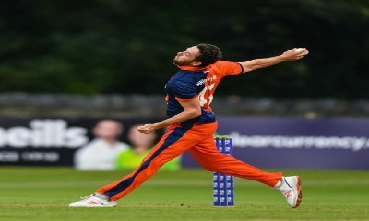 Dutch Cricketer Works As Food Delivery Guy To Make Ends Meet-TeluguStop.com