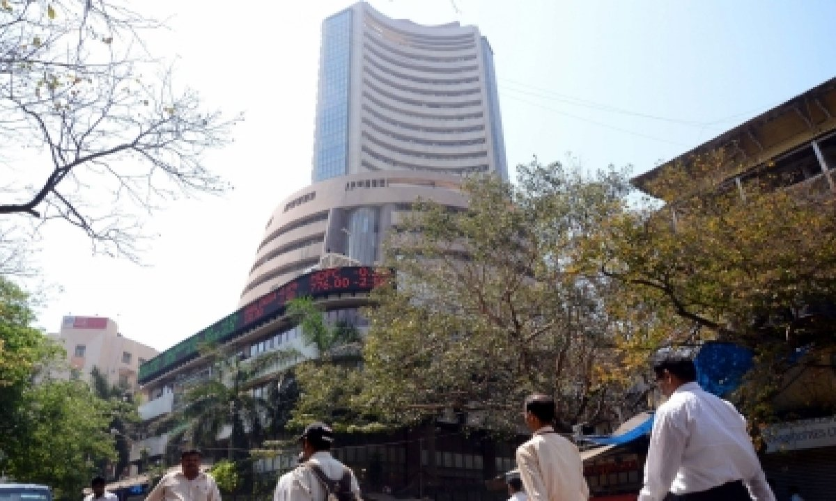 Equity Indices In Green; Metal, Healthcare Stocks Surge-TeluguStop.com