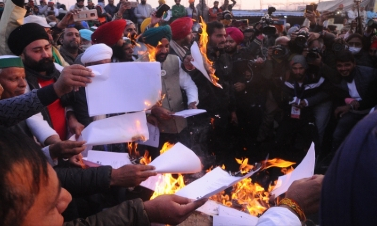 TeluguStop.com - Farmer Agitation: Congress 'gheraos' Nagpur Raj Bhavan