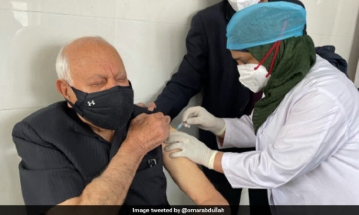 Farooq Abdullah Discharged From Hospital, To Recuperate At Home-TeluguStop.com