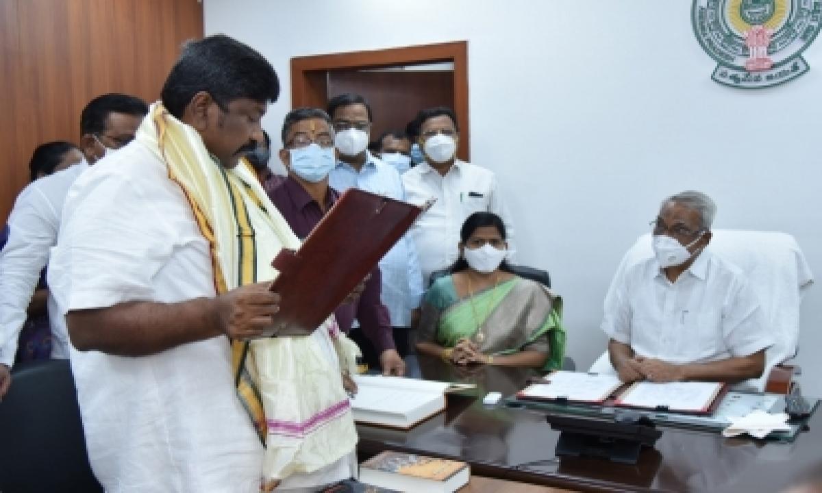 Four New Andhra Pradesh MLCs Sworn In-General-English-Telugu Tollywood Photo Image-TeluguStop.com