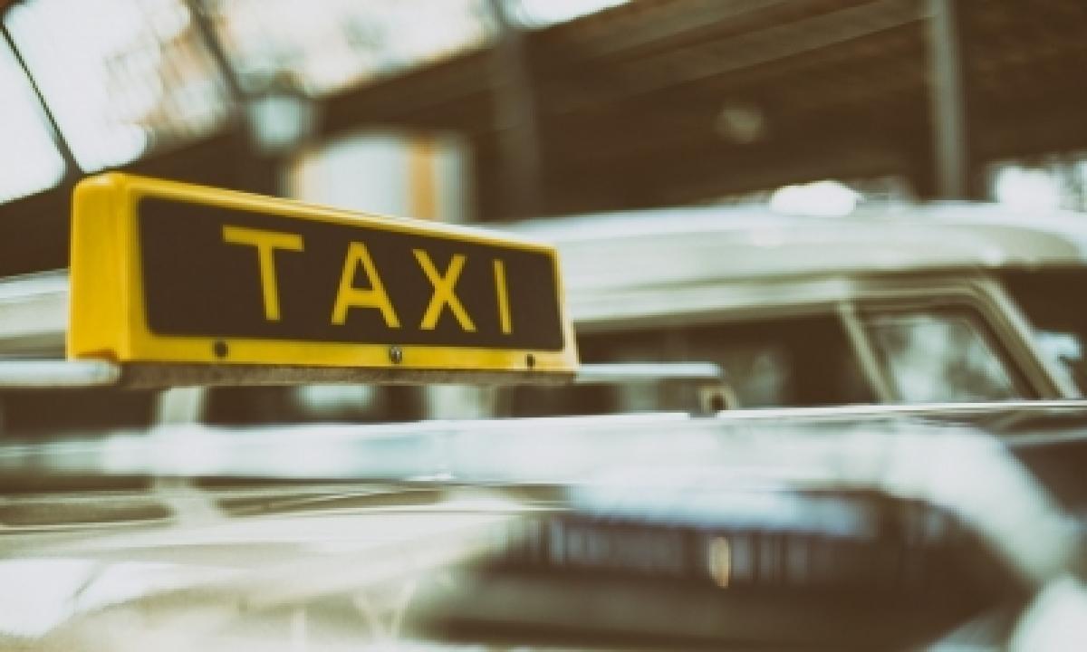 Goa Cabbies On Strike, Seek Withdrawal Of App-based Taxis-TeluguStop.com
