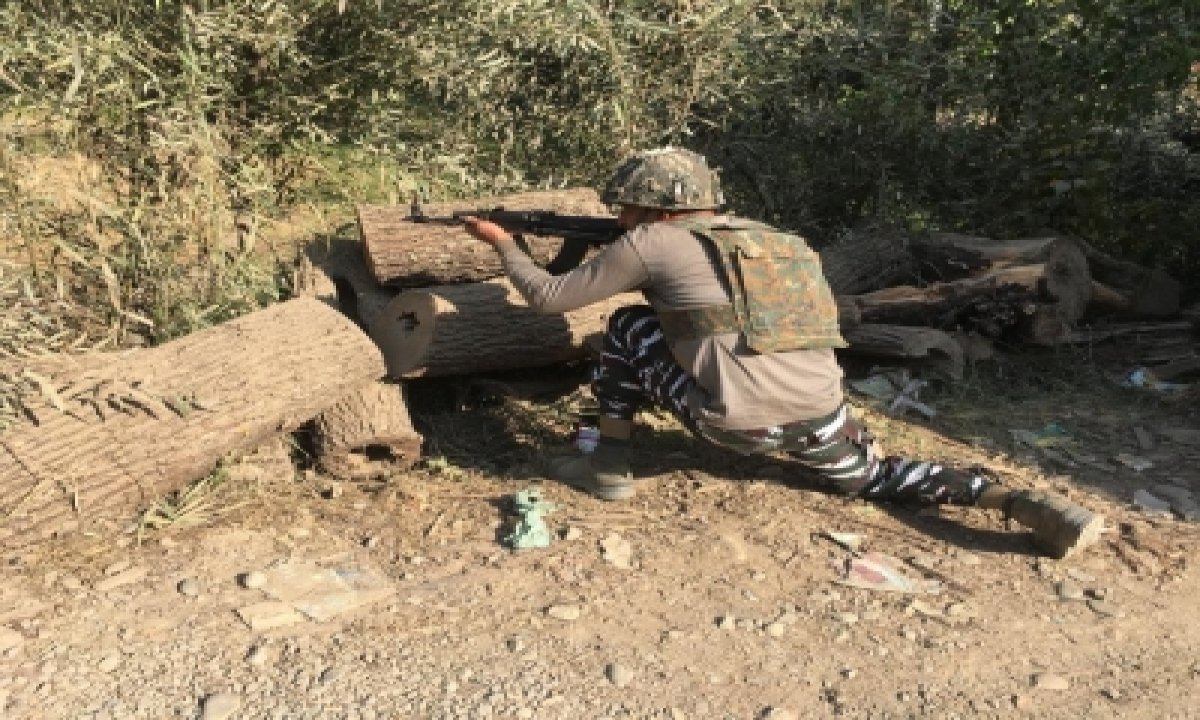 Gunfight Breaks Out In South Kashmir's Shopian District-TeluguStop.com