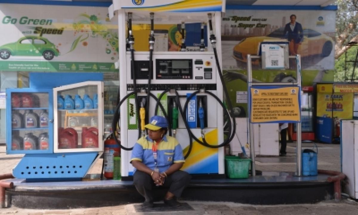 Hiked Again, Petrol Nears Century Mark Pan-india-TeluguStop.com