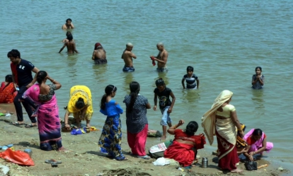 How A Holy River Degenerated Into Sewage Canal-TeluguStop.com