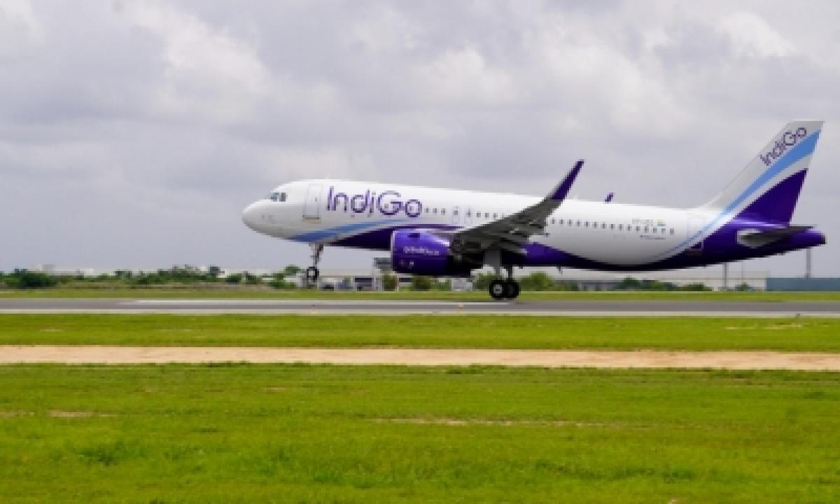 Hyderabad Airport Adds New RETs To Enhance Runway Capacity-Business-Telugu Tollywood Photo Image-TeluguStop.com