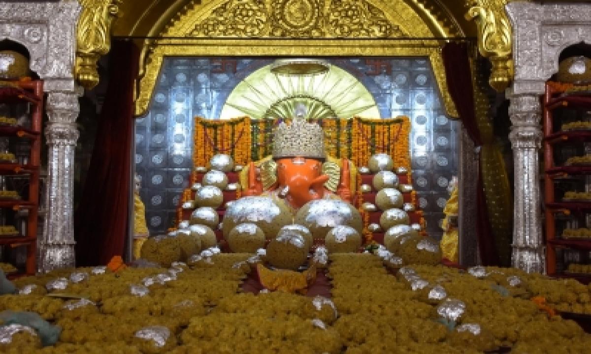 Hyderabad's Famous Ganesh Laddu Fetches Rs 18.90 Lakh-TeluguStop.com