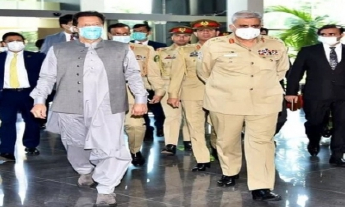 In Pakistan, Widening Gap Between Imran And Army Chief Dangerous For Hybrid Regime – Delhi   India News   National,indianarrative,south Asia,politics-TeluguStop.com