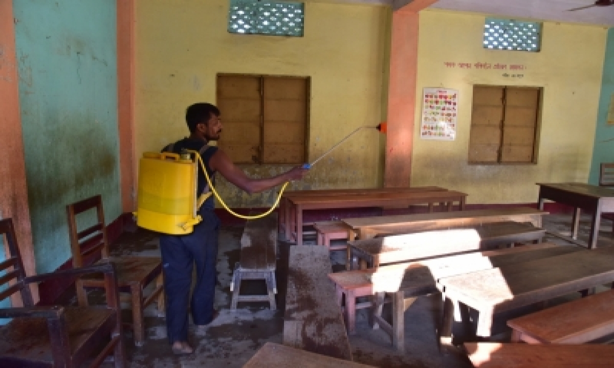 Intensive Sanitisation Drive In Hyderabad Due To Covid Surge-TeluguStop.com