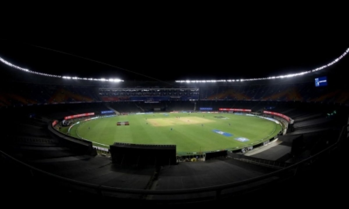 Ipl Bio-bubble Bursts, Several Covid+ Results Force Postponement (round-up)-TeluguStop.com