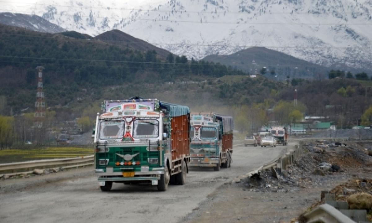 Jammu-srinagar Highway To Open For One-way Traffic-TeluguStop.com