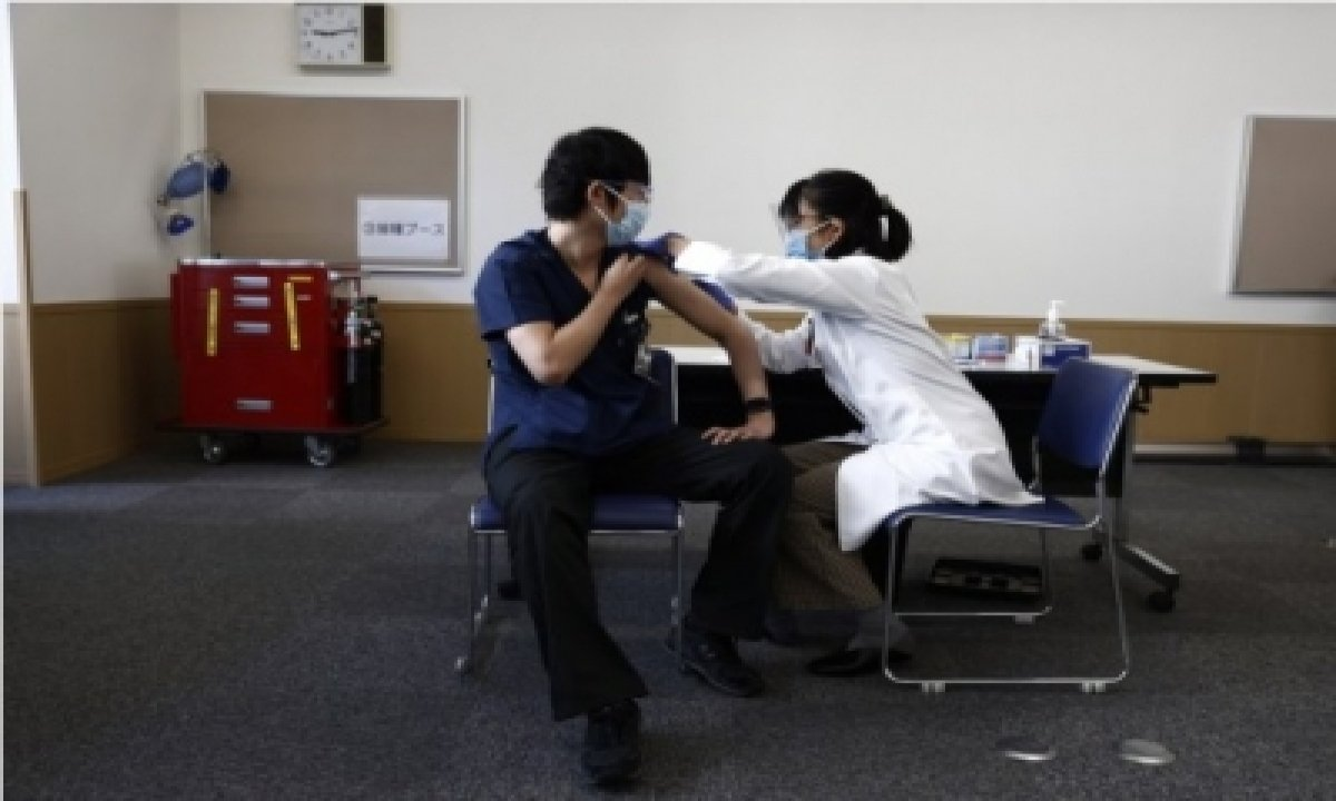 Japan Launches Covid-19 Vaccination For Elderly-TeluguStop.com