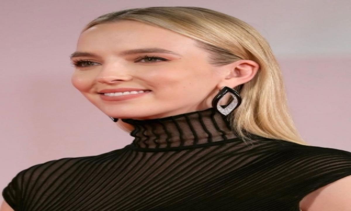 Jodie Comer: Working As Ryan Reynolds' Partner Was Terrifying-TeluguStop.com