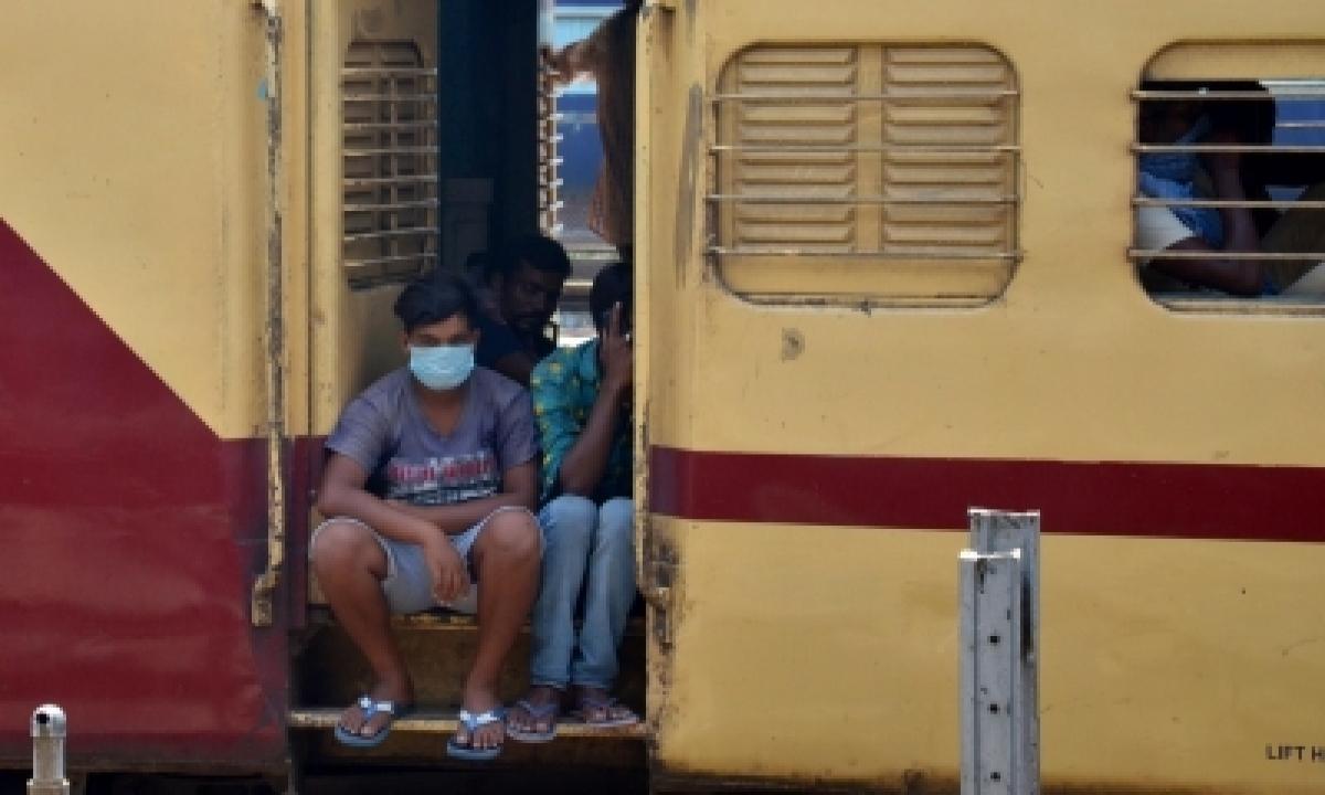 Labourers Losing Jobs Amid Covid-19 Resurgence-TeluguStop.com